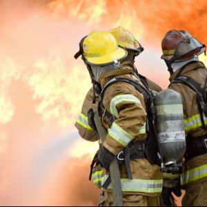 fire-fighting-training-3-firemen-oxygen-tanks-back-min