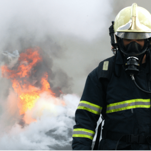 fire-fighting-training-fireman-mask-smoke-background-min