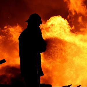fire-fighting-training-man-silhouette-fire-min